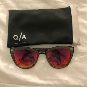 Oversized Grey Quay Sunglasses with Pink Lens